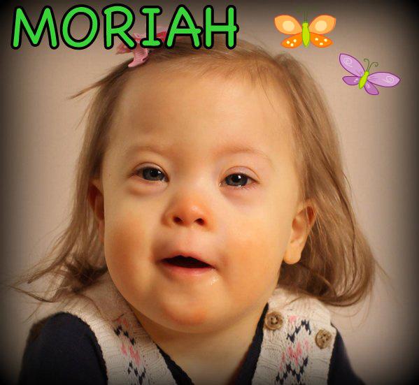 photo Moriah with butterflies
